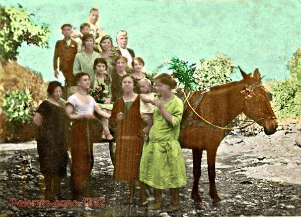La famiglia Caruso a Palermo nel 1932. I personaggi ritratti non hanno alcuna attinenza al contenuto del post