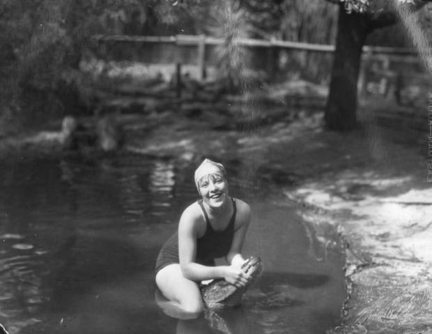 Alligator-Farm-1920s-V