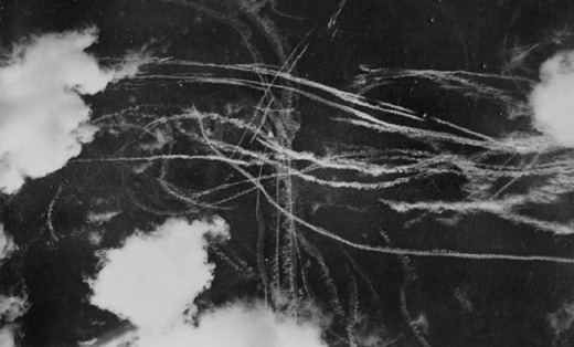 Contrails-after-dogfight-between-British-and-German-aircraft-18th-September-1940Imperial-War-Museum