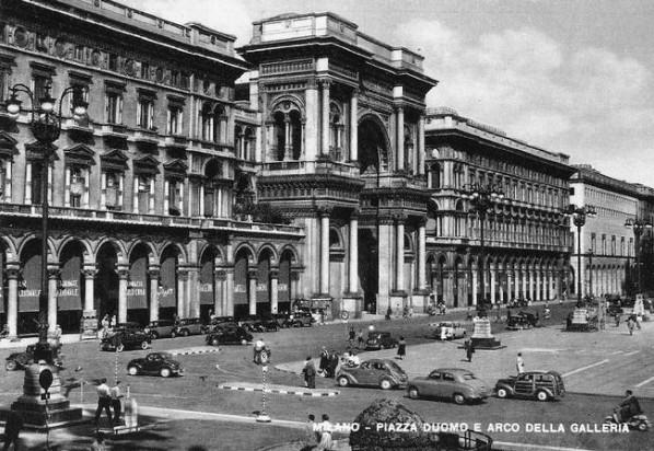 Piazza-Duomo-E-Arco-Della-Galleria-598x412