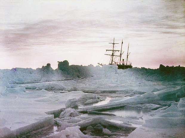 A-mid-winter-glow-Weddell-Sea-showing-The-Endurance-1915