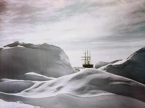 Glimpse-of-the-Ship-Endurance-through-Hummocks-1915