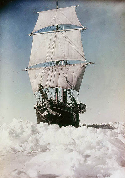The-Endurance-under-full-sail-held-up-in-the-Weddell-Sea-1915