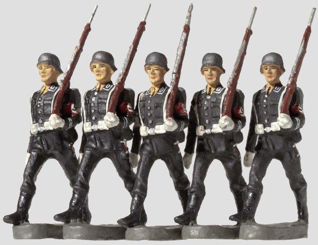 Nazi-Models-13