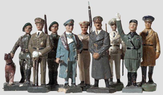 Nazi-Models-7