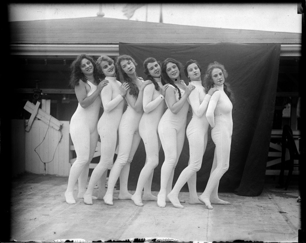Bathing-Beauties-Paragon-Park-Massachusetts-2