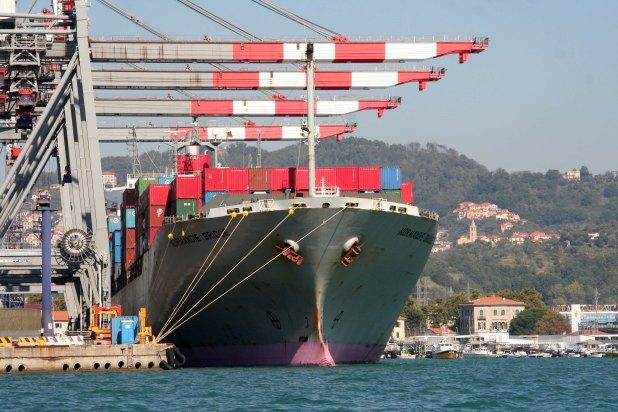 Porto_Laspezia_nave_container6-H110831185723-002