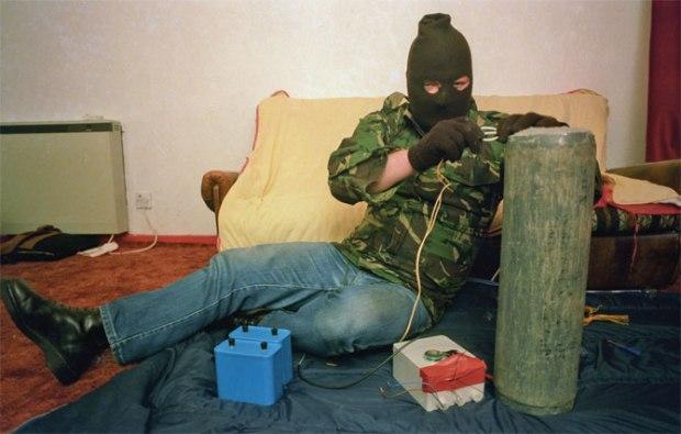 Soldato dell'IRA, foto di Harry Benson