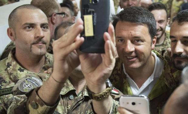 Italian Prime Minister Matteo Renzi during his visit at Italian military base in Herat, Afghanistan, 1 June 2015. ANSA/BARCHIELLI/PALAZZO CHIGI PRESS OFFICE ++ NO SALES, EDITORIAL USE ONLY ++