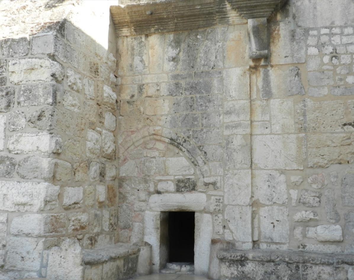 La porta di papa francesco leo rugens - Entrare in una porta ...