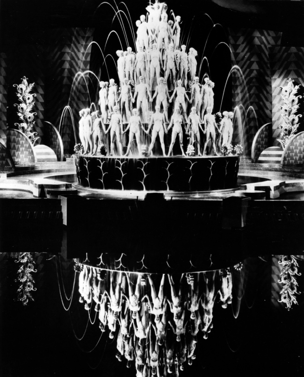1933:  An example of one of the kaleidoscopic images utilising mirrors and hundreds of dancers, invented by American choreographer Busby Berkeley. A scene from the film 'Footlight Parade', directed by Lloyd Bacon for Warner Brothers.  (Photo by Hulton Archive/Getty Images)