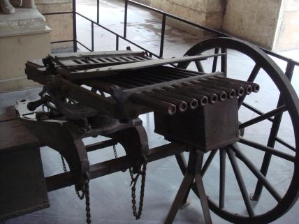 Nordenfelt_machine_gun_10_barrels