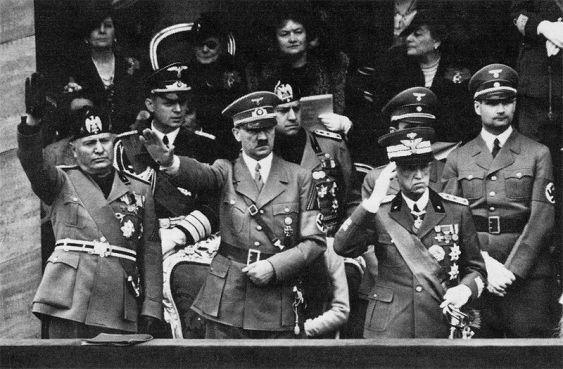 800px-Rivista_militare_del_6_maggio_1938_huhijok(1)