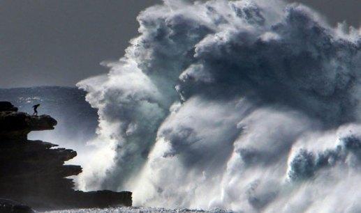 101017_massive_wave