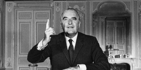 Quand-Georges-Pompidou-faisait-censurer-une-publicite-dans-L-Express-utilisant-une-photo-de-lui-torse-nu