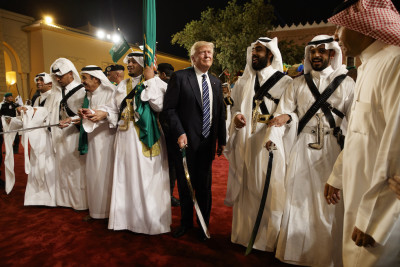 Le foto di Trump in Arabia Saudita
