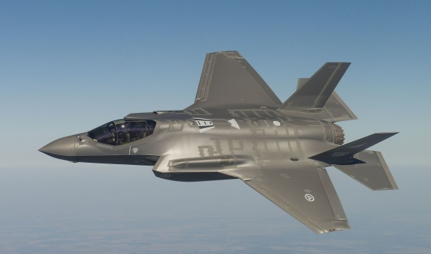 testflyging_av_forste_norske_f-35_-_22492943335_14_1
