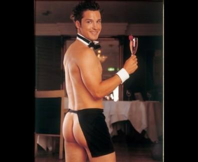 il-cameriere-mi-chiama-che-e-pronto-in-tavola-buona-serata-a-tutti_a