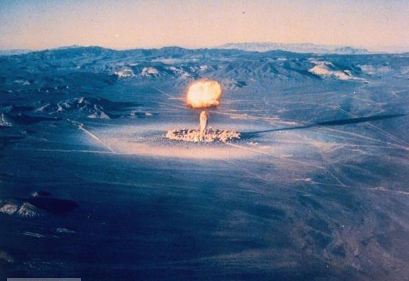 1253784580_atomic_explosion_08