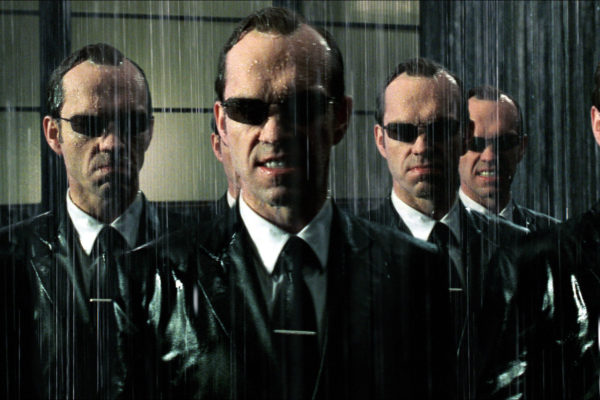 The-Matrix-Revolutions-Hugo-Weaving-600x400